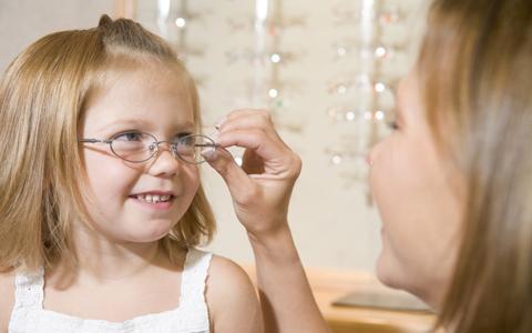 Perché è fondamentale la visita oculistica in età pediatrica?